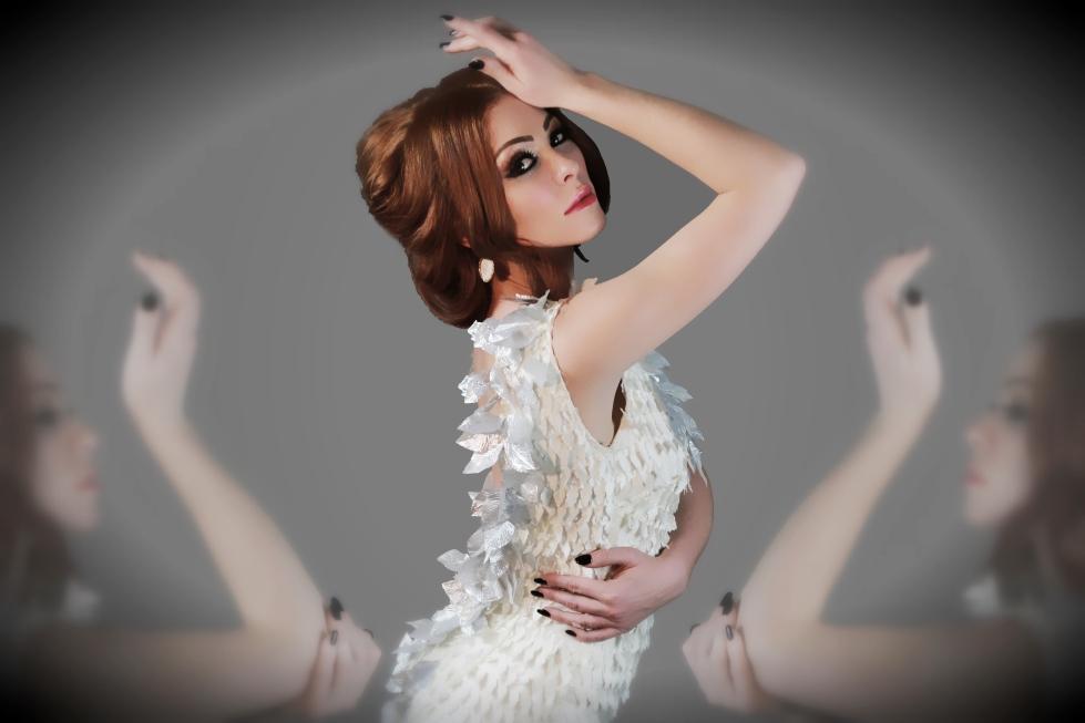Natasha Hamilton, Swan 001